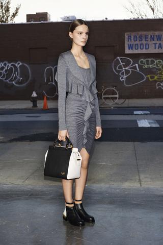 Vestido Gris Givenchy Spring 2013