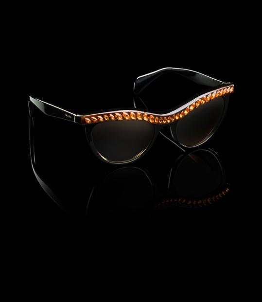 YesWeTrend. Gafas de Sol Prada con Strass
