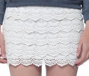 YesWeTrend- Falda de encaje Blanco de Ohkko