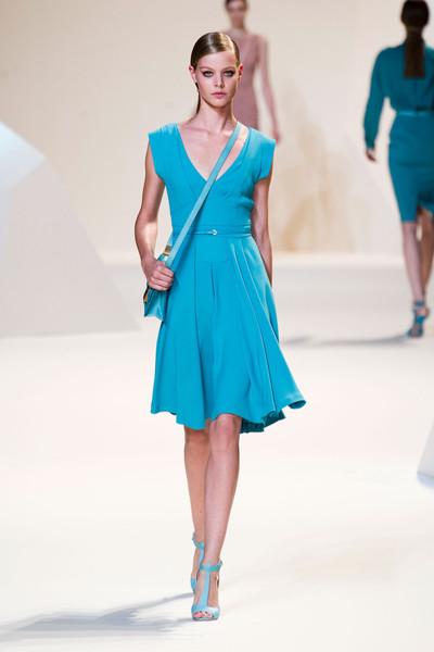 Moda de primavera 2013: ropa y accesorios azul turquesa