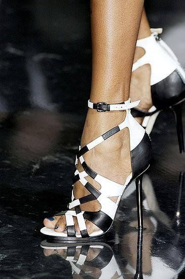 Moda de primavera verano 2013: 20 Sandalias de cuña y de tacón muy trendy