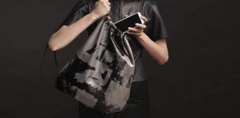 Samsung y Alexander Wang, crean la mochila solidaria