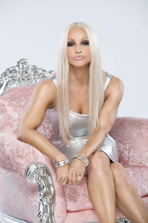 House of Versace: lujo, drogas y luchas en la peli sobre Versace.